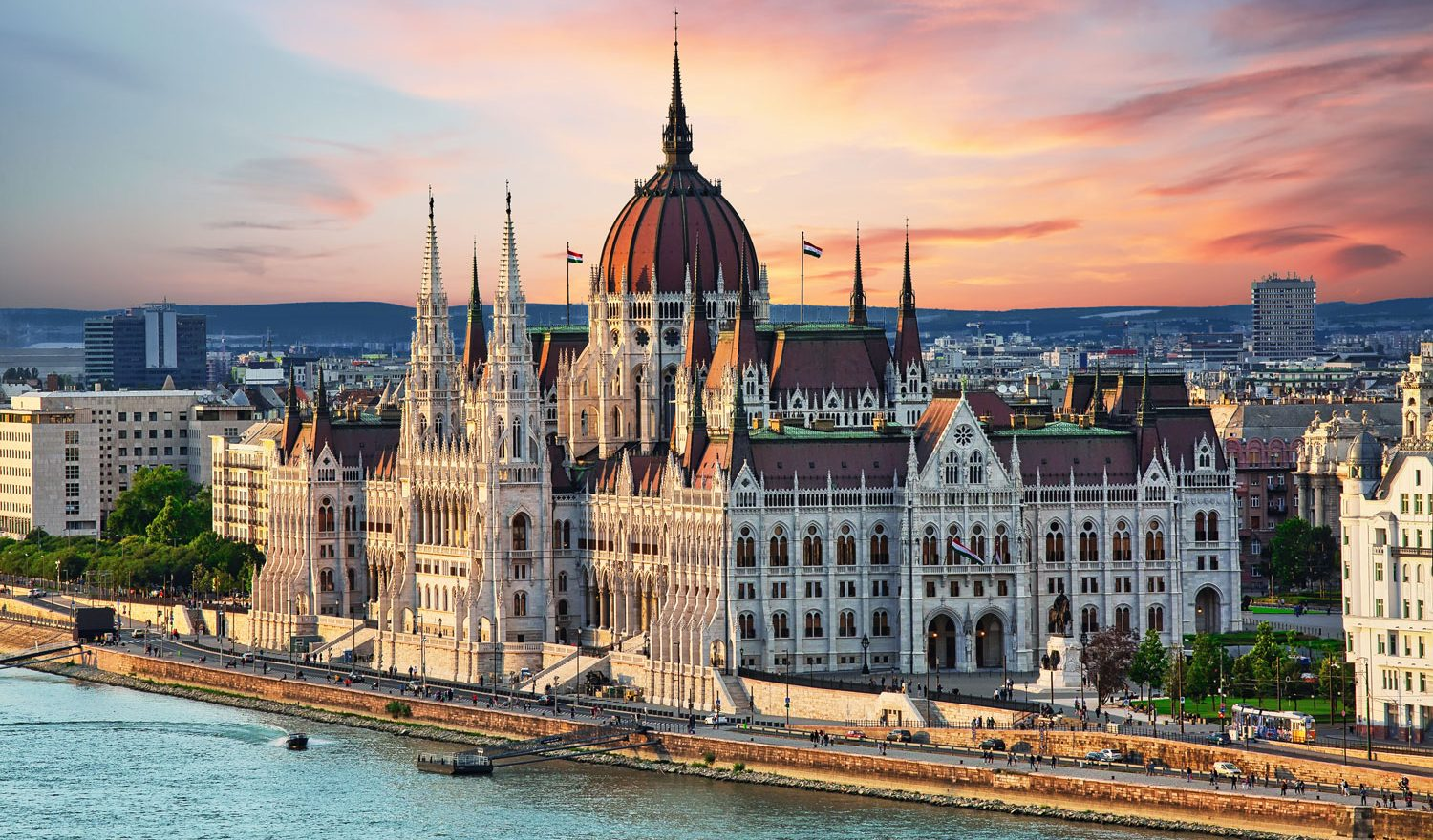 Budapest-travel-guide
